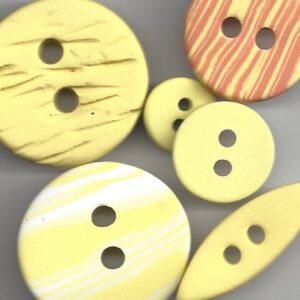 Gule og gulige knapper.